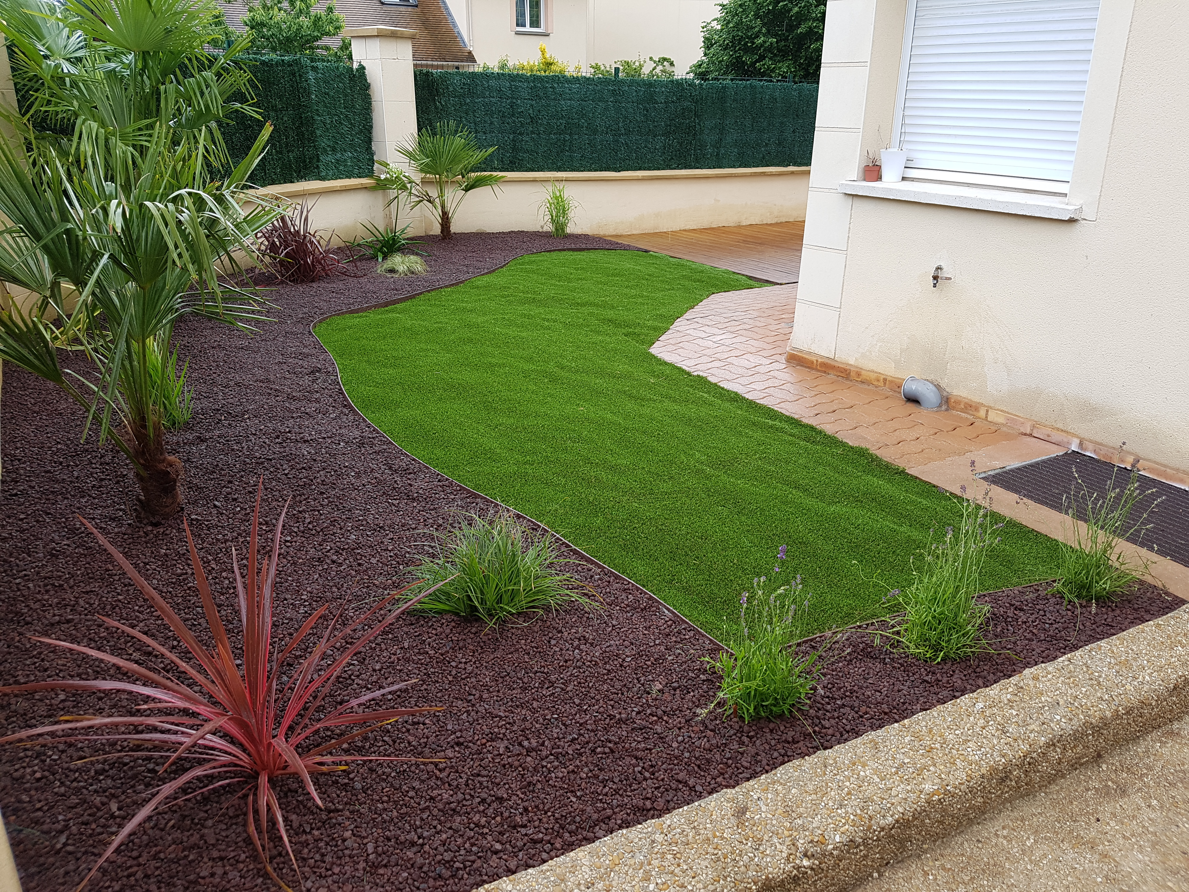 Cr ation jardin chessy les espaces verts du val d 39 europe for Creation espace vert jardin