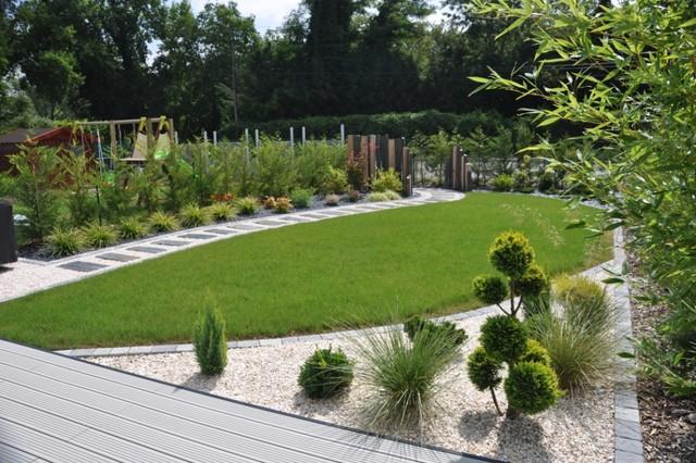 Paysagiste ferri res en brie les espaces verts du val d 39 europe - Amenagement jardin en pente asnieres sur seine ...